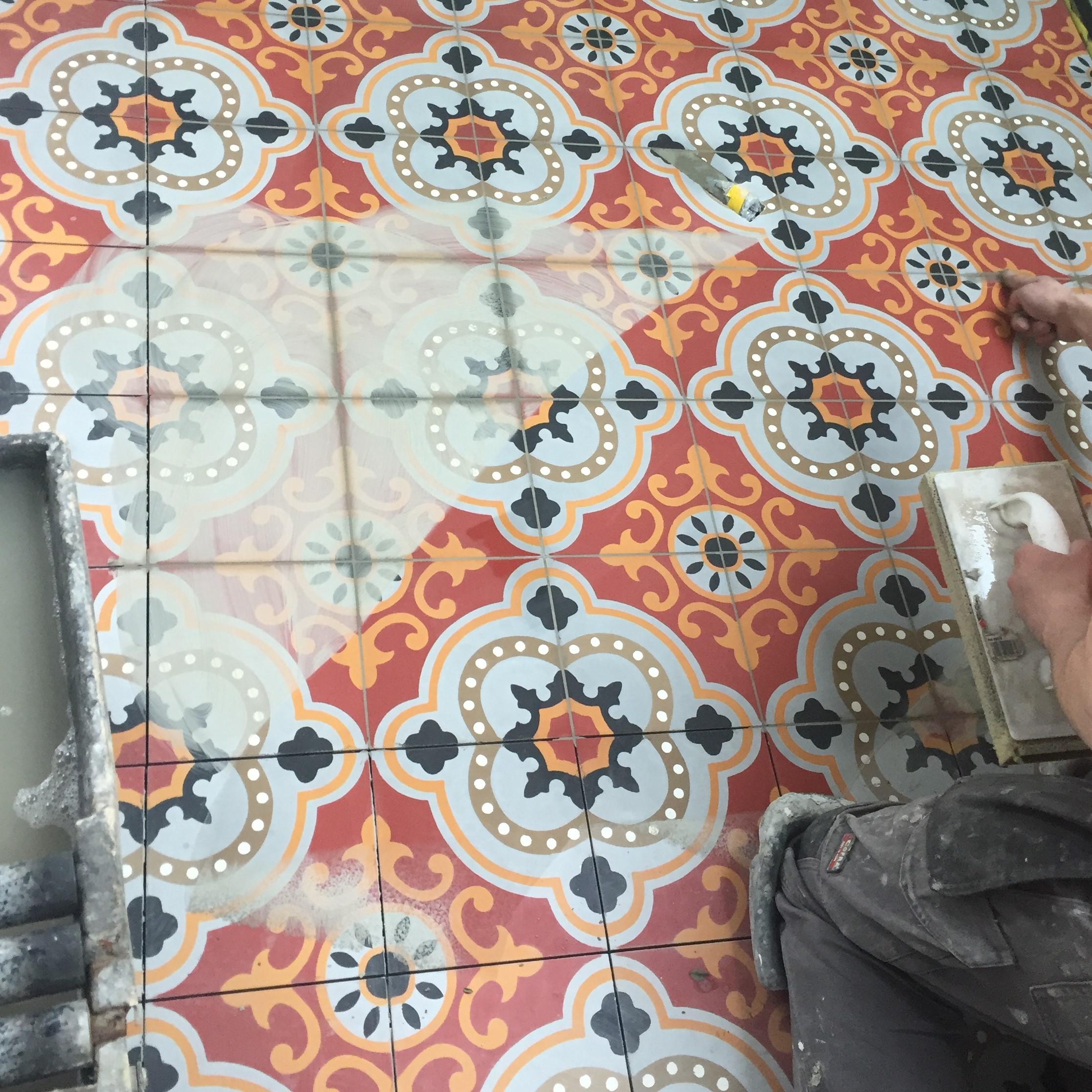 Pose de Carreaux de ciment pour la rénovation d'une salle de bain à Moncoutant. BOSSARD rénove selon vos goûts et les tendances. BOSSARD est basée à Moncoutant mais intervient à Bressuire, L'absie, Secondigny, Coulonges sur l'Autize, Pouzauge, La chataigneraie
